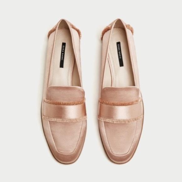 b60403f6e57 Zara light pink frayed loafers. NWT. Zara. M_5b7bad950945e0612f214b36.  M_5b7bad9c25457ad4364bfe5f. M_5b7bada11070ee924d920674.  M_5b7bada81070ee210b920736